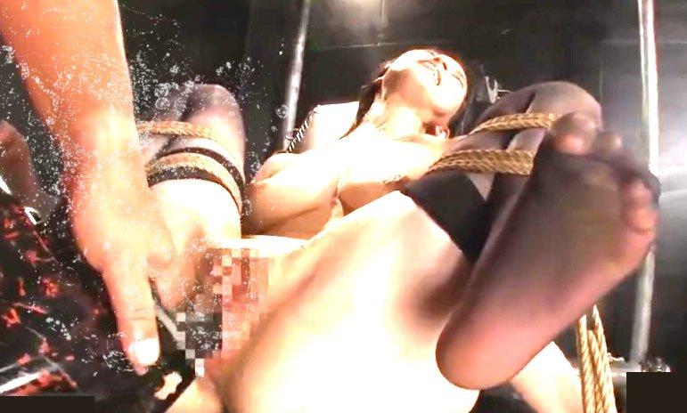 二宮和香 巨乳美人お姉さん拘束監禁 極太電動ディルド悶絶アクメ潮吹き!