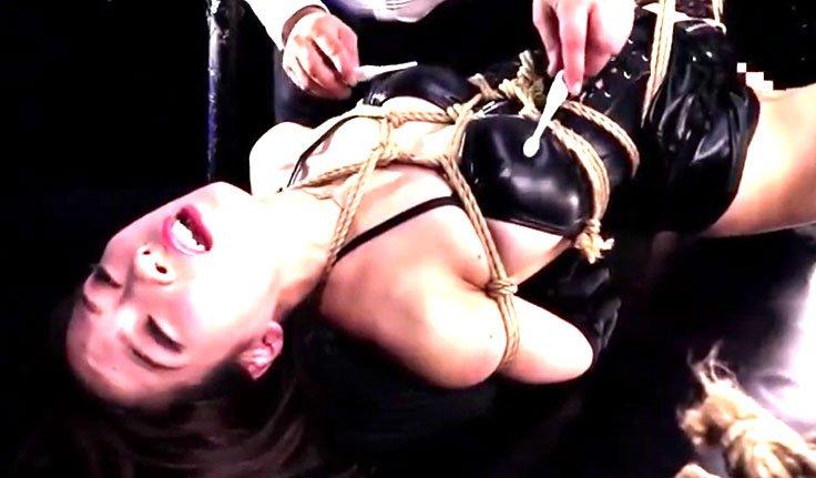 二宮和香 巨乳色白SM嬢王が荒縄拘束電動歯ブラシで乳首を鬼攻め潮吹き!