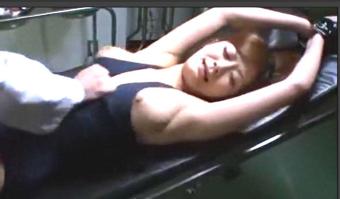さとう遥希 スクール水着巨乳美女が拘束美秘部攻めメスの本能で潮吹きSEX!