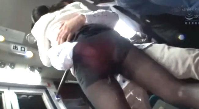 パンスト美女潮吹きSEX!ナイロンの滑りを利用した手マンで素人美女が襲われまくり興奮光景!