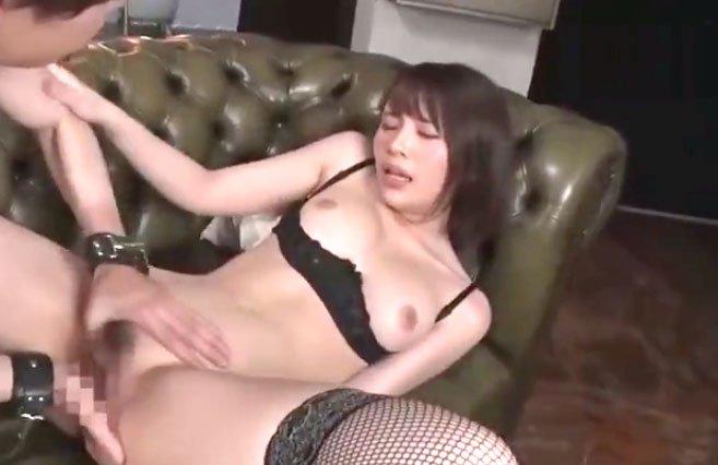 伊藤舞雪潮吹きSEX! 肉厚巨乳美女がやられまくり!漢の指技で悶絶アクメ!